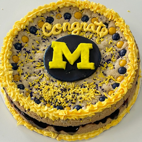 "8"" Graduation Chocolate Chip Shookie Cake - LOCAL PICK-UP ONLY"